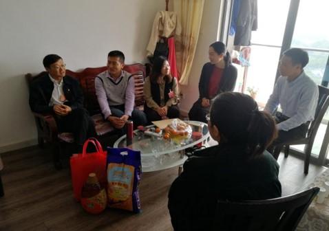 市党代表朱军同志春节前夕赴坪环社区 开展走访慰问退役军人活动