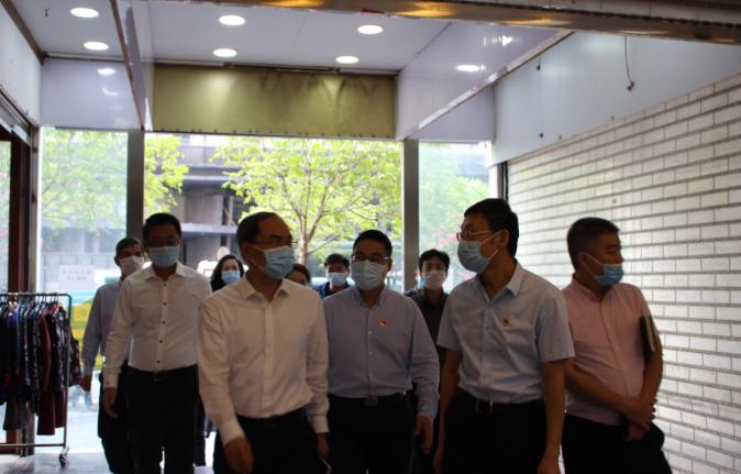 投控公司党委委员、副总经理杜秀峰率队来我司开展挂点调研服务工作